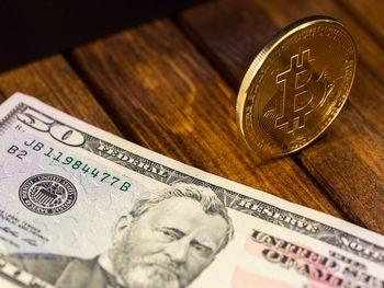 2 سیگنال هشدار بانک مرکزی در مورد بیت کوین