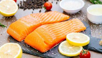 خوردن این ماهی به سلامت قلب و مغز کمک می کند
