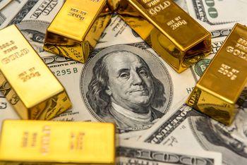 کاهش قیمت ارز و طلا در موعد مکانیسم ماشه