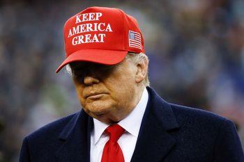 ترامپ حضوری رای خود را به صندوق میاندازد