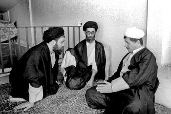 روایتی کمتر شنیده شده  از مشکلات بر سر راه کاندیداتوری آیت الله خامنهای در انتخابات ریاست جمهوری