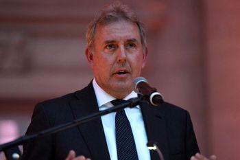 سفیر انگلیس در آمریکا: از اعمال مجدد تحریمهای آمریکا علیه ایران متاسفیم