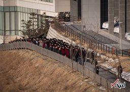 ورود جالب تشویق کنندگان «زن» کره شمالی به کره جنوبی + عکس
