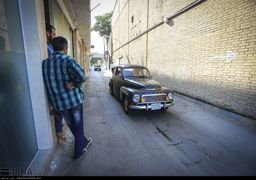 دورهمی خودروهای کلاسیک و آنتیک در میدان نقش جهان +تصاویر