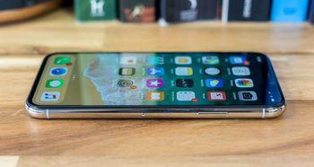 تصاویری از آیفون 6.1 اینچی اپل که بزودی عرضه خواهد شد