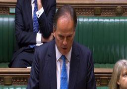 بیاحترامی به یک فعال محیطزیست؛ معاون وزیرخارجه انگلیس تعلیق شد