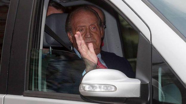 خوان کارلوس پادشاه سابق اسپانیا د رحال ترک بیمارستان