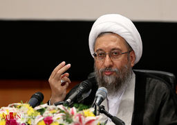 آملی لاریجانی: اعتراض حق مردم است اما با آشوب تفاوت دارد