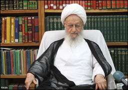 واکنش آیت الله مکارم شیرازی به نامه احمدی نژاد به رهبر انقلاب