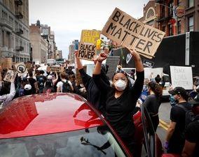 تصاویر منتخب اعتراضات سراسری آمریکا (۳)| «اتحاد رنگها علیه سفیدبرترپنداری»