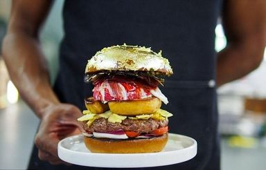 همبرگر لاکچری با روکش طلا