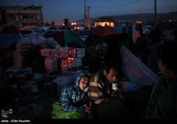 گزارش میدانی از کرمانشاه/ افزایش ناگهانی قیمت چادر، پتو و دیگر اقلام امدادی