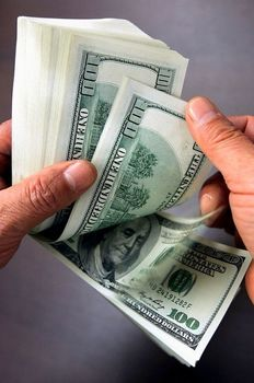 پیش بینی ها درباره قیمت ارز چه می گویند؟