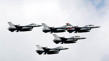 تعرض جنگندههای چینی به حریم هوایی تایوان همزمان با سفر هیئت آمریکایی