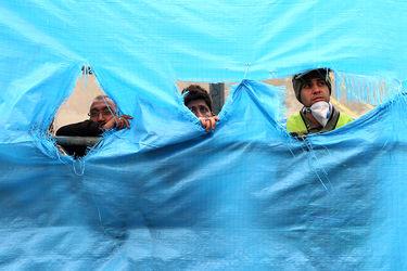 تلاش شبانه روزی امدادگران در ویرانه پلاسکو