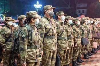 جلسه اضطراری با حضور رئیسجمهور/ اعزام 450 پزشک نظامی/ موافقت پکن با  خروج اتباع آمریکا/ اعلام وضعیت اضطراری در هنگکنگ