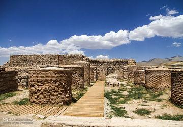 تخت سلیمان ، یادگاری به قدمت ۳۰۰۰ سال