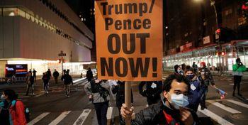 تظاهرات مخالفان ترامپ اطراف کاخ سفید