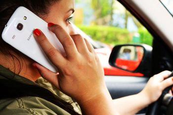جریمه بالا برای استفاده از موبایل هنگام رانندگی
